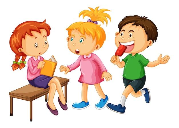 Grupo de personagens de desenhos animados de crianças pequenas em fundo branco Vetor grátis
