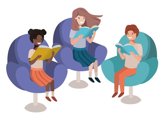 Grupo de pessoas sentadas no sofá com o personagem de avatar de livro Vetor Premium