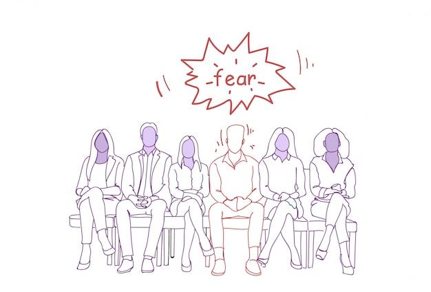 Homem nervoso que senta-se com grupo de pessoas na linha que espera job interview doodle human resources concept Vetor Premium
