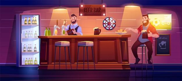 Homem no bar de cerveja, sentar no banquinho alto na mesa de madeira Vetor grátis