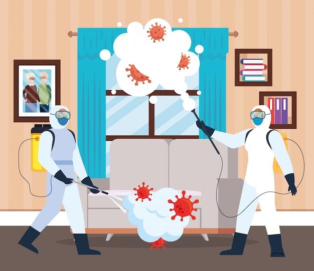 Homens com traje de proteção pulverizando a janela e o sofá da casa Vetor Premium