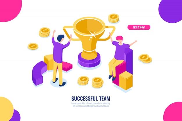 Ícone isométrica de equipe de sucesso, soluções de negócios, celebração de vitória, feliz negócios pessoas dos desenhos animados Vetor grátis