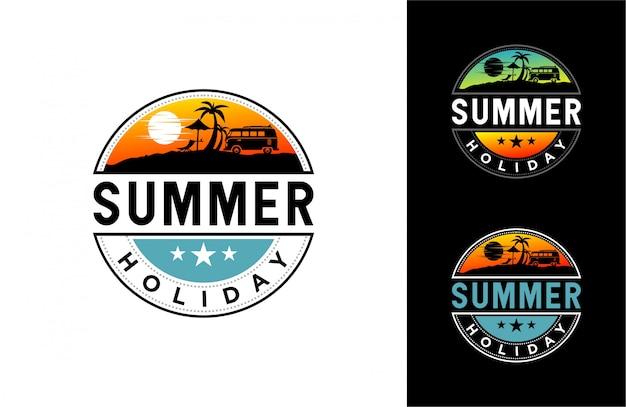 Ilustração do tempo de verão com praia, palma e luz do sol. Vetor Premium