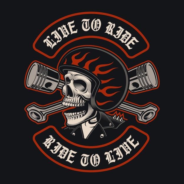 Ilustrações do crânio do motociclista com pistões cruzados no fundo escuro. isso é perfeito para logotipos, estampas de camisa e muitos usos também. Vetor Premium