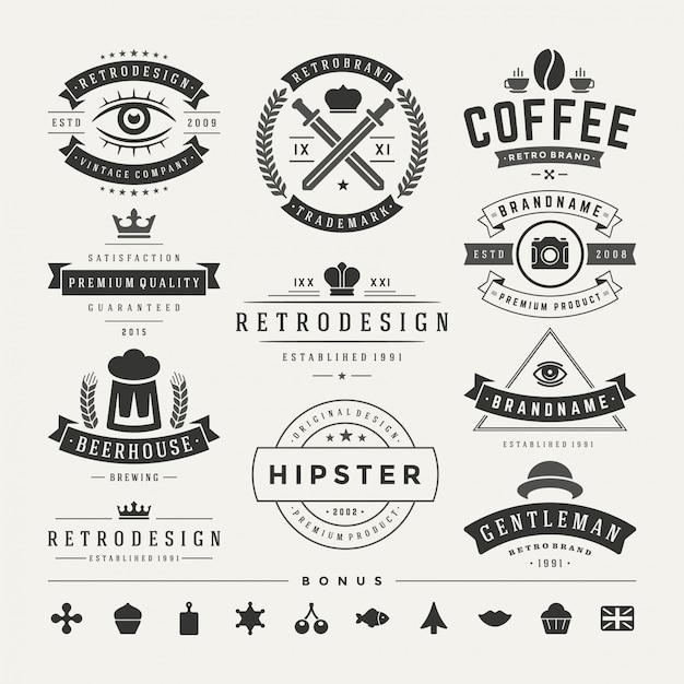 Insígnias vintage retrô ou logotipos definir elementos de design do vetor Vetor Premium
