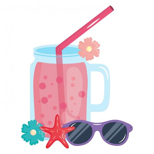 Jarra de frutas frescas de suco com palha e óculos de sol Vetor Premium