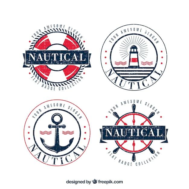 Jogo de quatro emblemas redondos do vintage com elementos náuticos Vetor grátis