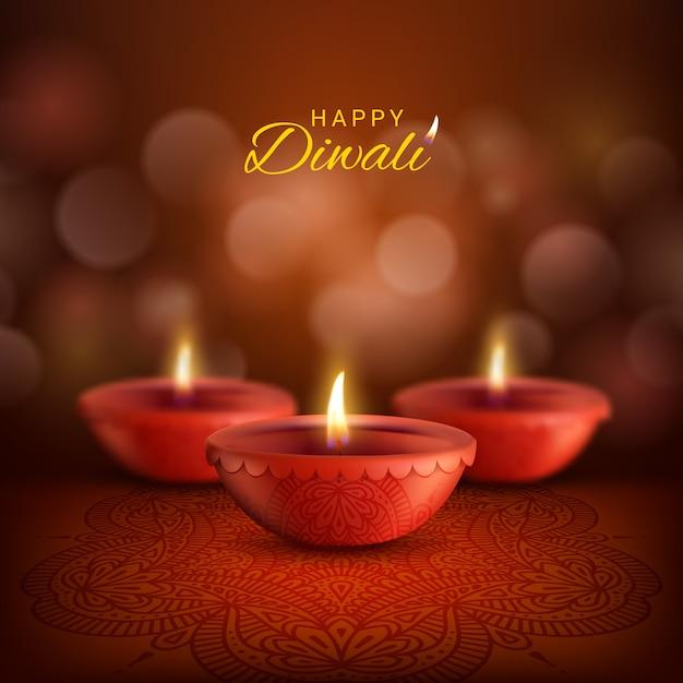 Lâmpadas diwali diya de deepavali, festival de luz da religião hindu indiana. lâmpadas de óleo de argila vermelha com chamas de fogo e decoração rangoli com padrão paisley, cartão de feliz diwali Vetor Premium