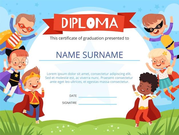 Layout do diploma infantil com super-heróis de crianças alegres. Vetor Premium