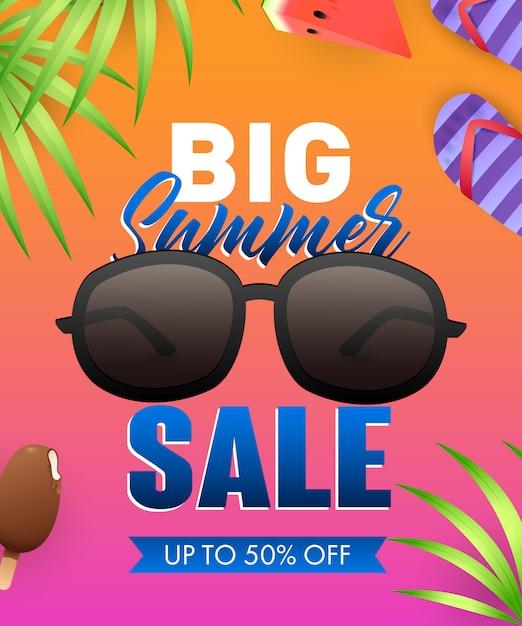 Letras de grande verão venda com óculos de sol e folhas tropicais Vetor grátis
