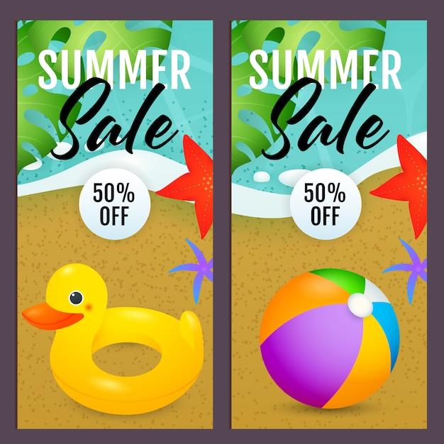 Letras de venda de verão com bola de praia e anel de natação Vetor grátis