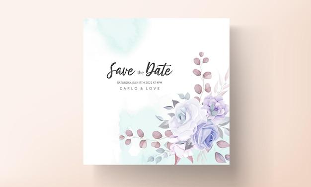 Lindo cartão de convite de casamento com enfeite de flor roxa Vetor grátis