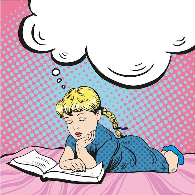 Livro de leitura pequena menina em uma cama. sonhando com algo Vetor Premium