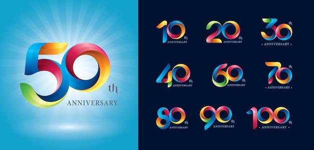 Logotipo de aniversário, logotipo de fitas de torção colorida, letras numéricas estilizadas de origami. Vetor Premium