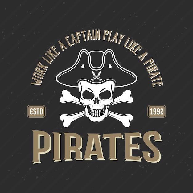 Logotipo de piratas imprimir com jolly roger no chapéu armado, ilustração vetorial Vetor grátis