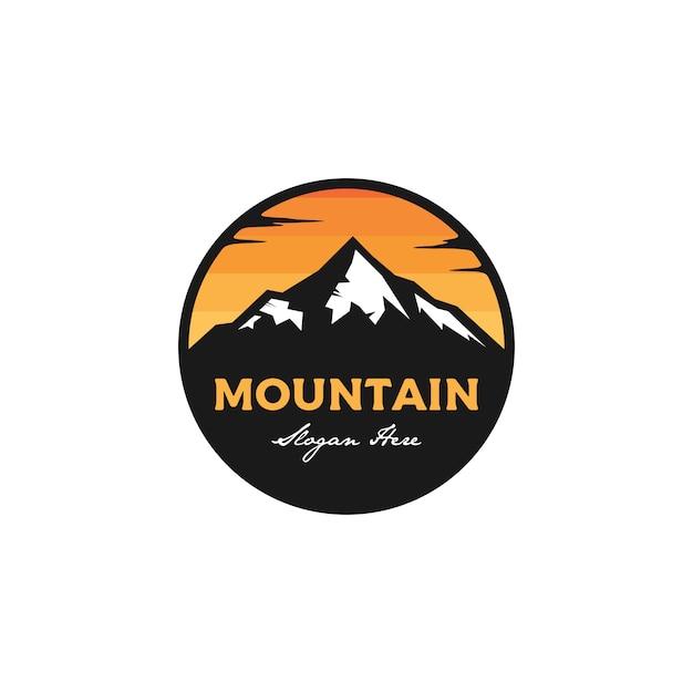 Logotipo do emblema de montanha Vetor Premium