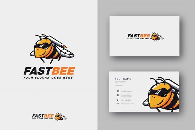 Logotipo e cartão da mascote de rocket bee Vetor Premium
