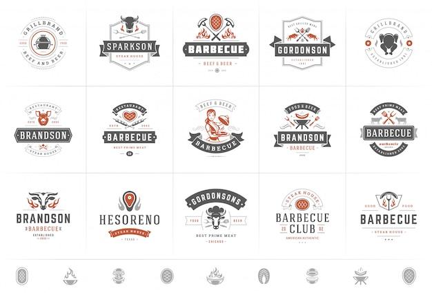 Logotipos de grelha e churrasco defina vetor ilustração churrascaria ou restaurante menu emblemas com comida para churrasco Vetor Premium
