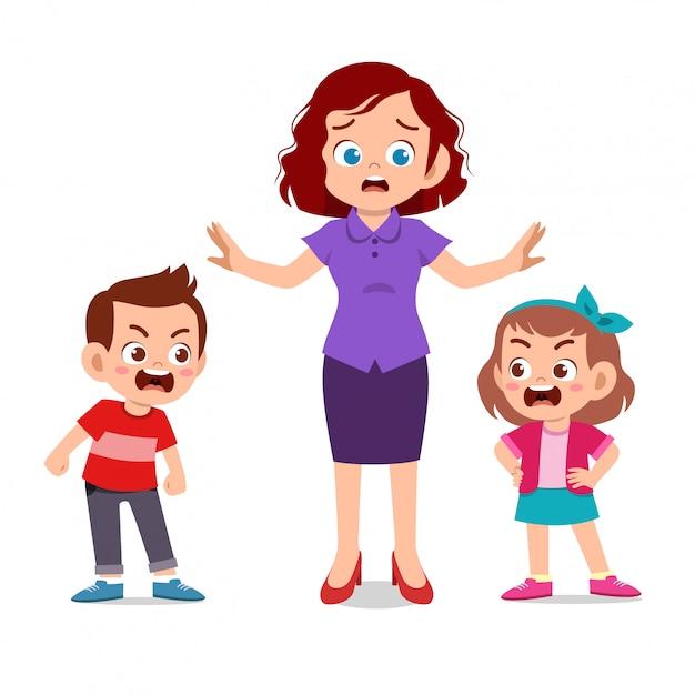 Mãe com filhos brigando Vetor Premium