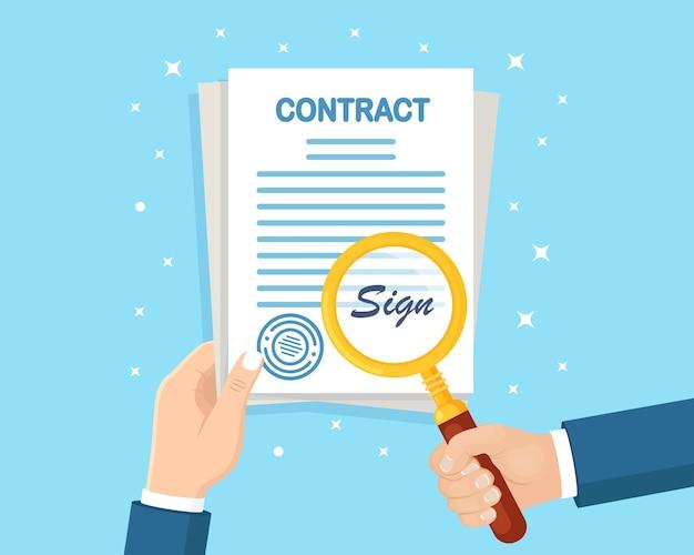 Mão de homem segure documentos de contato e lupa. assinatura de cheque de empresário Vetor Premium