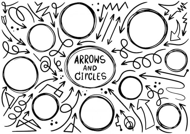 Mão desenhada doodle design círculos elementos. setas desenhadas à mão Vetor Premium