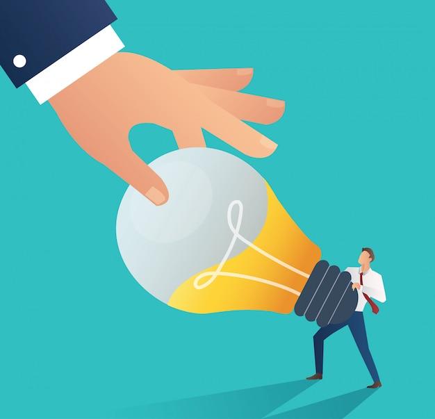 Mão roubando a lâmpada de ideia. conceito de plágio Vetor Premium