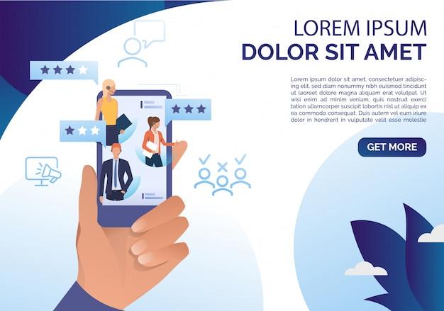 Mão segurando o smartphone com modelo de revisão on-line Vetor grátis