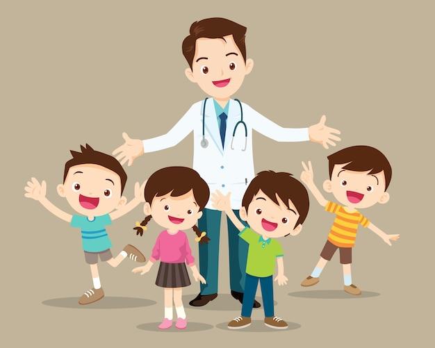 Médico e criança fofa feliz Vetor Premium