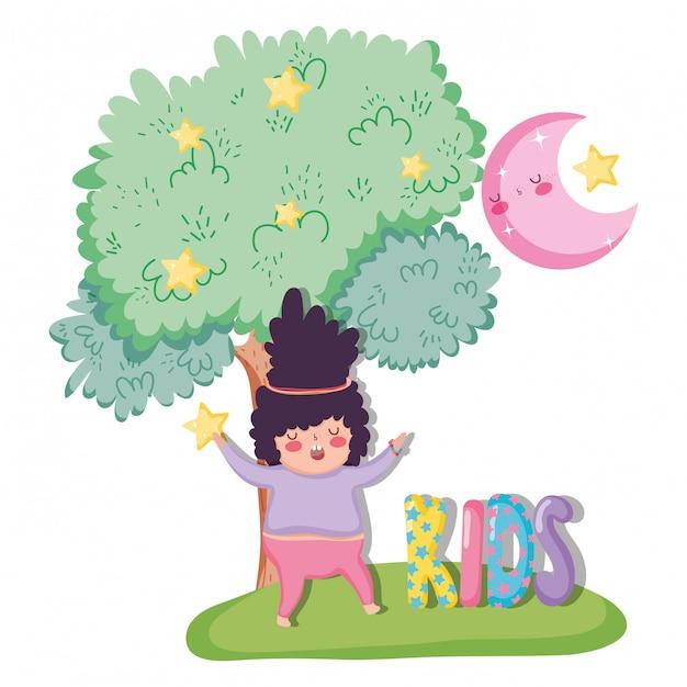 Menina brincar com a árvore e a lua com estrelas Vetor Premium