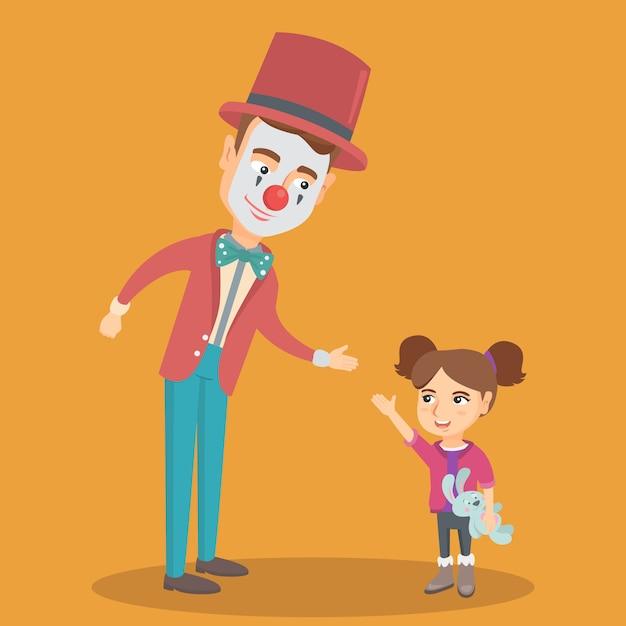 Menina caucasiana brincando com palhaço. Vetor Premium