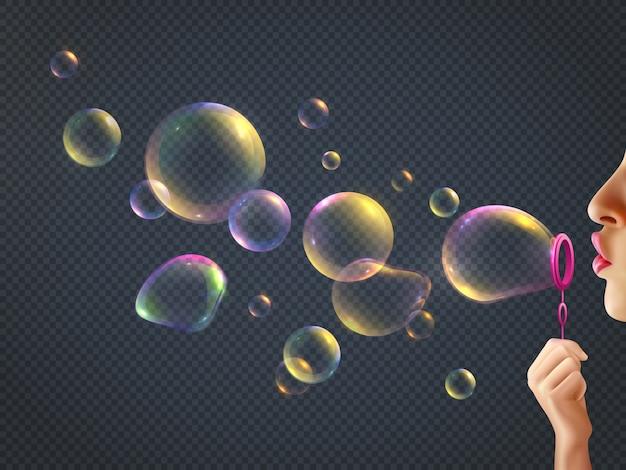 Menina, soprando bolhas de sabão com reflexo do arco-íris transparente realista Vetor grátis