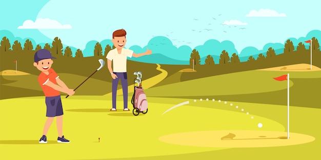 Menino alegre que bate a bola com os clubes de golfe no furo. Vetor Premium