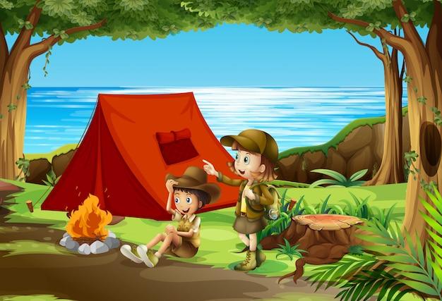 Menino, e, menina, scout, acampamento, em, natureza Vetor Premium