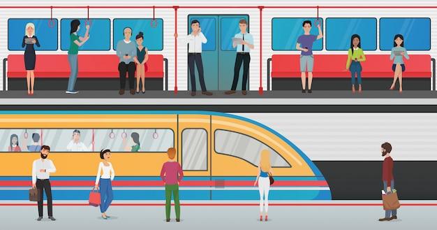 Metrô dentro com pessoas e plataforma de metrô com trem na estação subterrânea. conceito de vetor de metrô urbano com passageiros. Vetor Premium