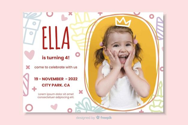 Modelo convite de aniversário de crianças com imagem Vetor Premium