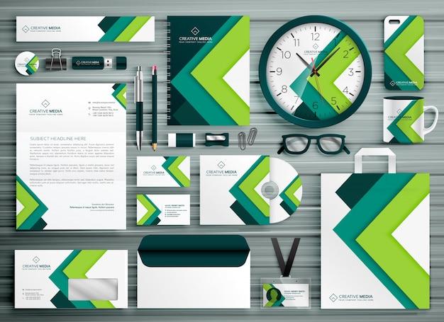 Modelo corporativo de papelaria de negócios conjunto de design de mockup com forma geométrica verde Vetor Premium
