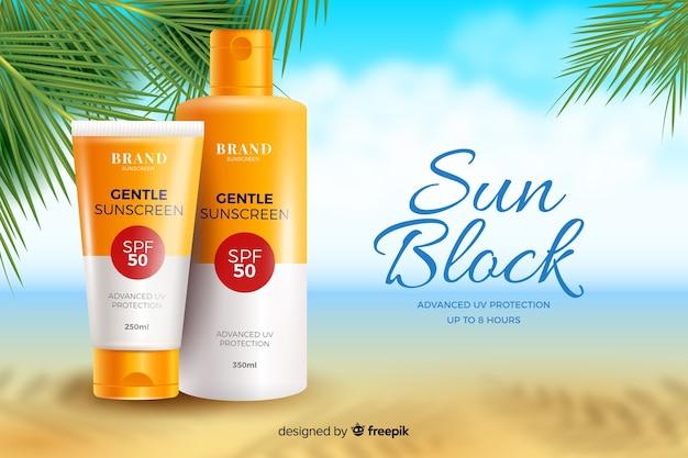 Modelo de anúncio realista protetor solar com praia Vetor grátis
