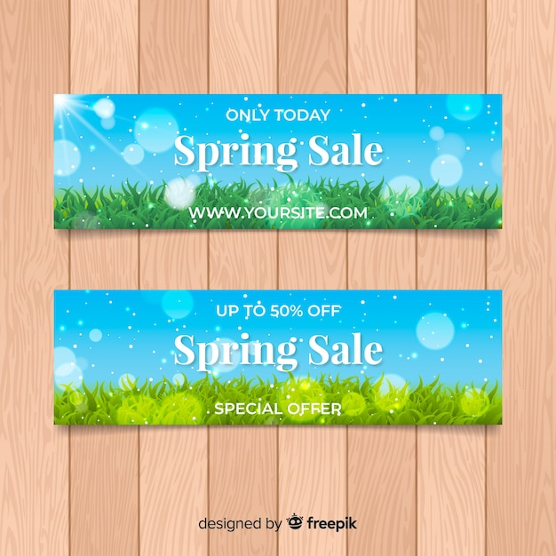 Modelo de banner de venda realista da primavera Vetor grátis