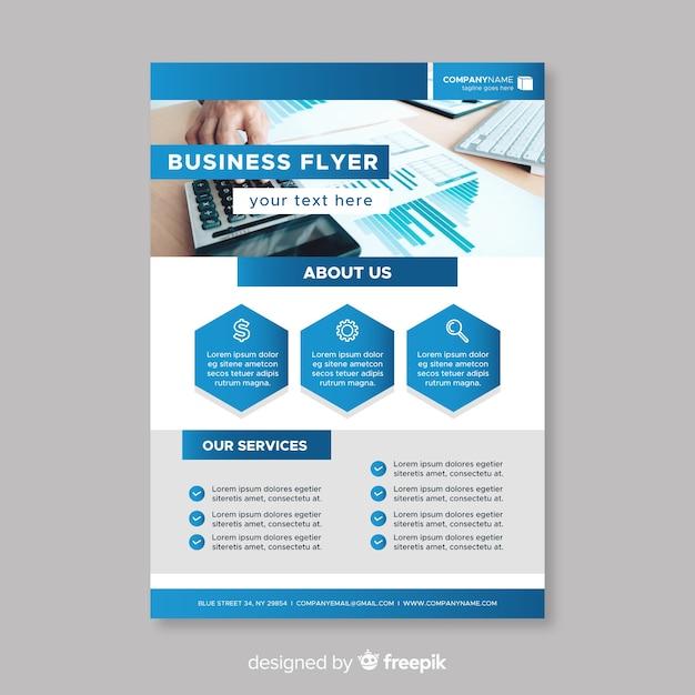 Modelo de brochura corporativa Vetor grátis