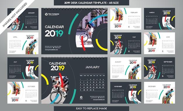 Modelo de calendário de mesa 2019 Vetor Premium