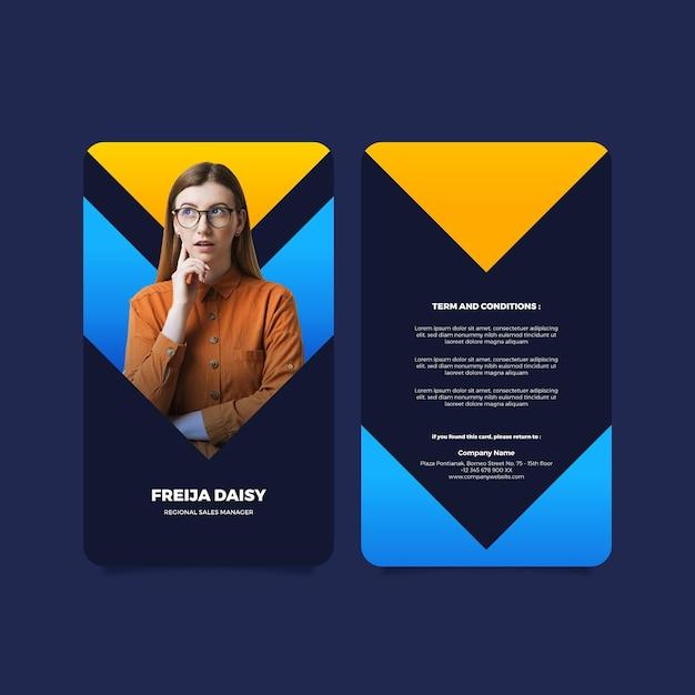 Modelo de cartão de identificação vertical frente e verso com foto Vetor grátis