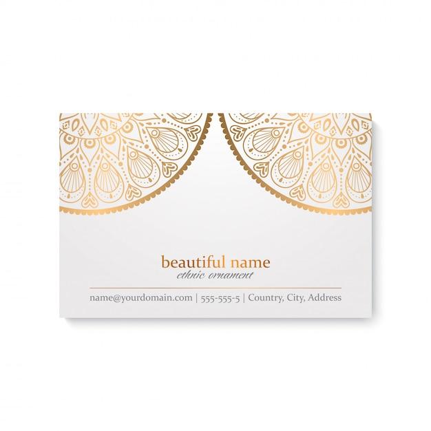 Modelo de cartão de luxo com estilo indiano, cor branca e dourada Vetor grátis