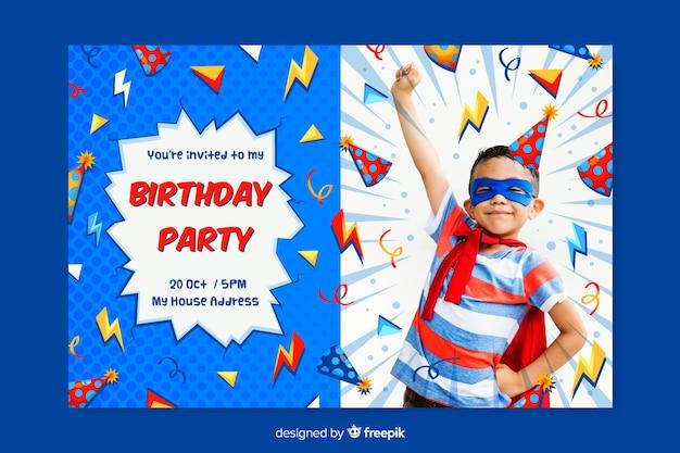 Modelo de convite de aniversário de crianças com foto Vetor grátis
