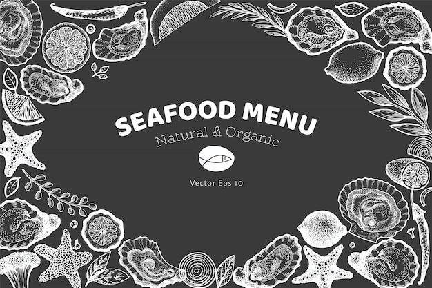 Modelo de design de ostras e especiarias. mão desenhada ilustração vetorial no quadro de giz. menu de frutos do mar Vetor Premium