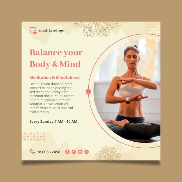 Modelo de folheto quadrado para meditação e atenção plena Vetor grátis