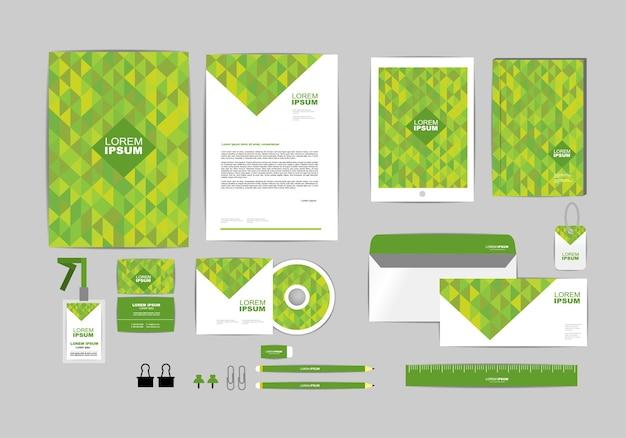 Modelo de identidade corporativa verde para o seu negócio Vetor Premium