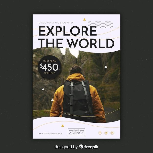 Modelo de panfleto de viagem com imagem Vetor grátis
