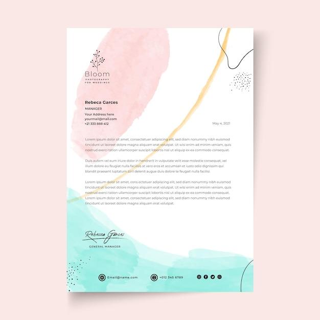 Modelo de papel timbrado de mulher de negócios Vetor Premium