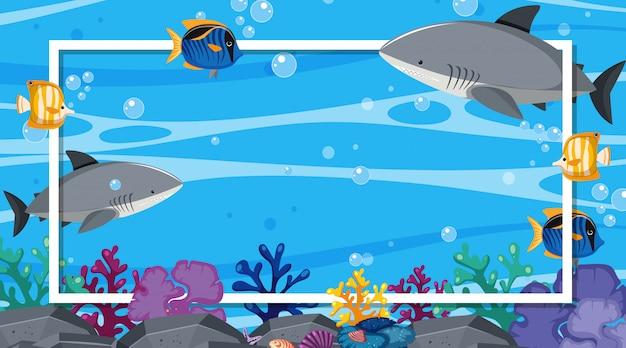 Modelo de quadro com criaturas do mar no fundo do oceano Vetor Premium