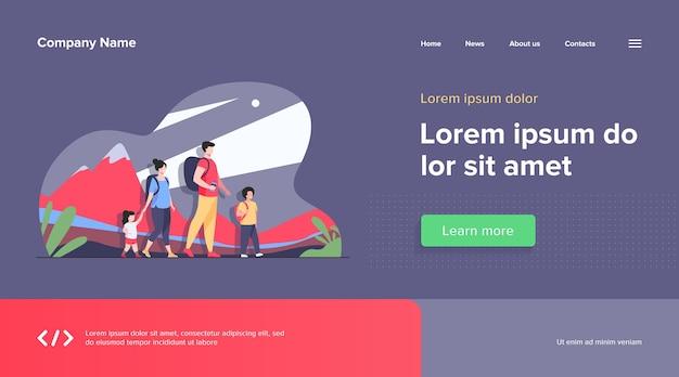 Modelo de web de família feliz e ativa caminhando ao ar livre Vetor grátis